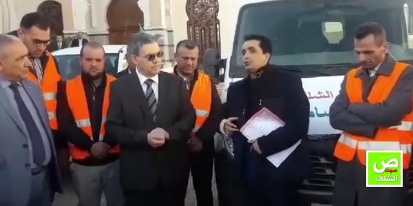 بالفيديو ↔ والي الشلف يعطي إشارة إنطلاق قافلة تضامنية للعائلات المعوزة