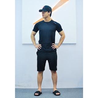Bộ quần áo thể thao màu đen