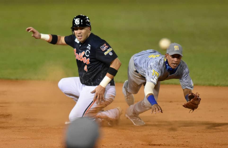 Doble play de Magallanes a Caribes