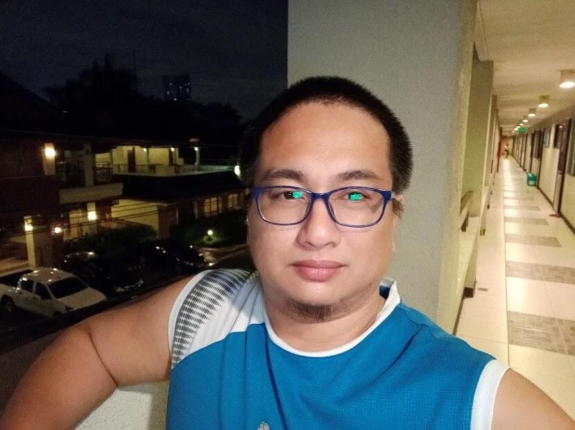 Vivo S1 Camera Sample - Selfie at Night