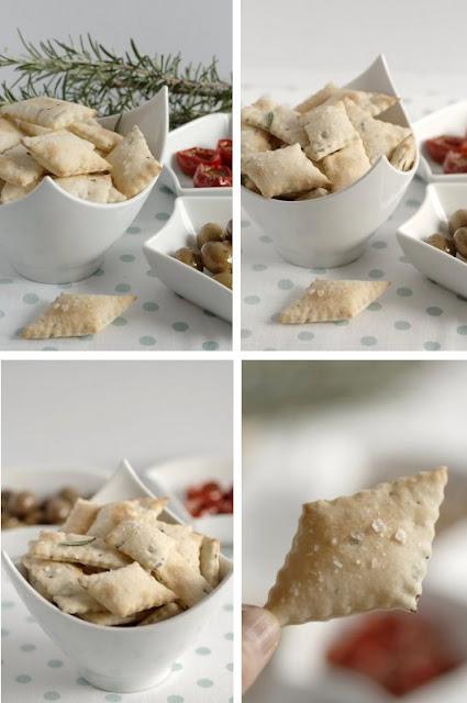 schiacciatine o crackers al rosmarino