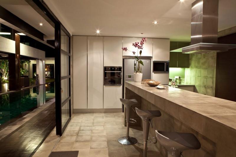 Hogares frescos casa hannah por bo dise o en indonesia for Casa minimalista interior cocina