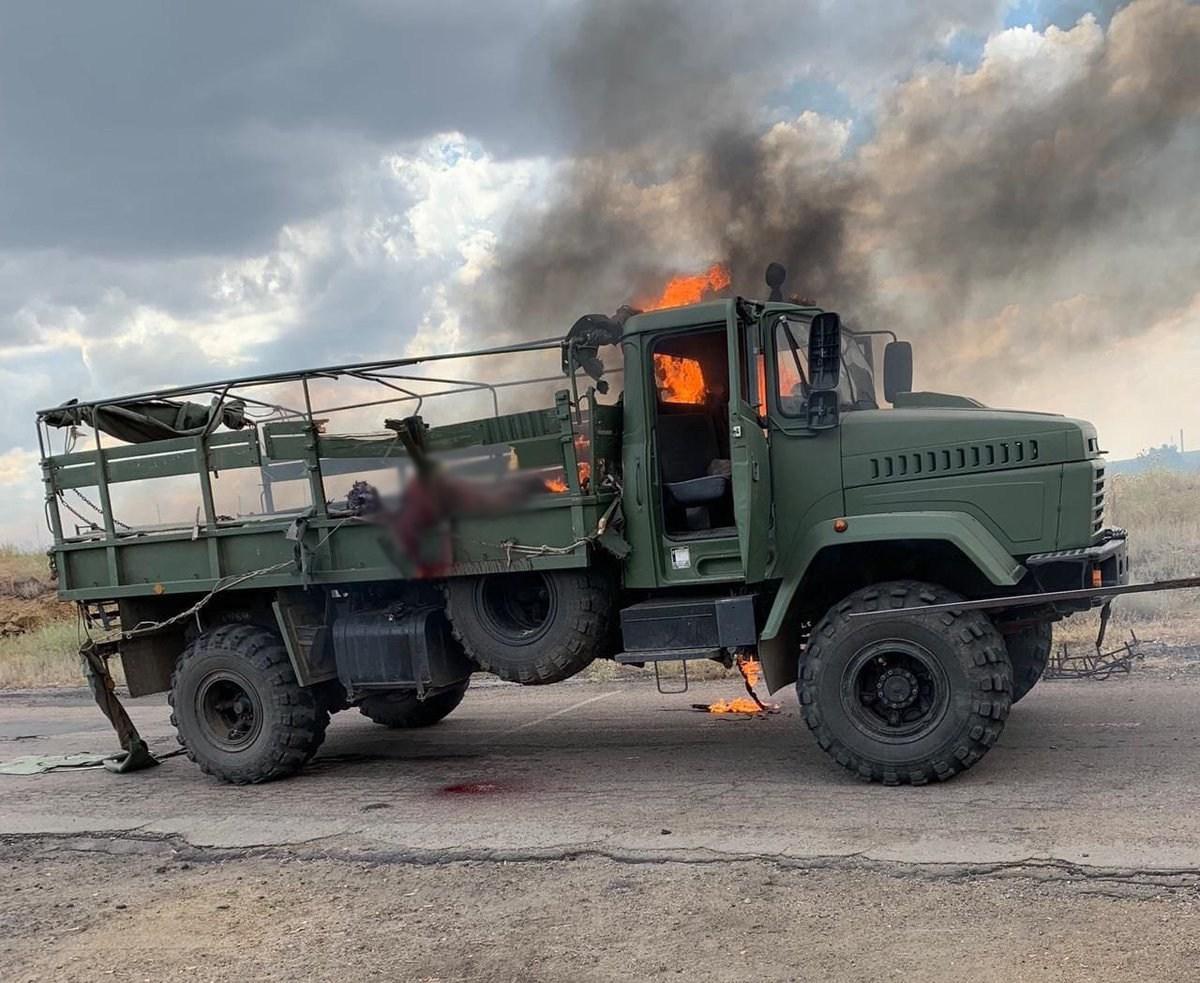 Зеленський доручив військовим активізувати виявлення та знешкодження диверсійних груп на Донбасі