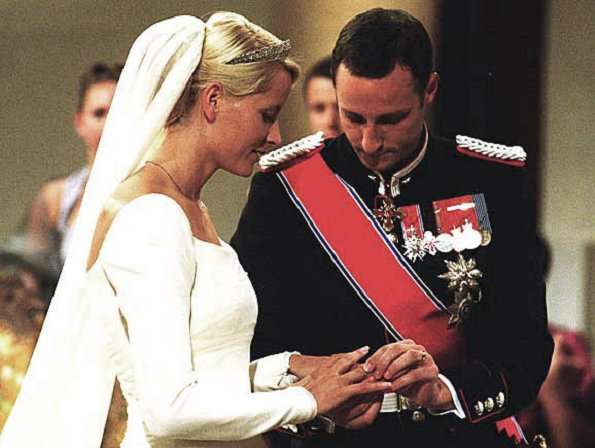 15th anniversary of the marriage of Crown Prince Haakon and Crown Princess Mette-Marit. new video