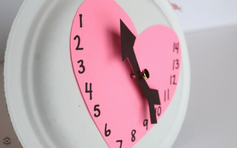 Valentine's Day countdown craft for preschool