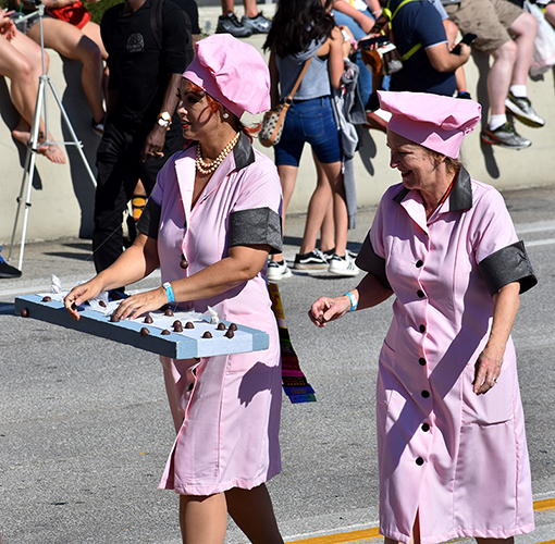 Lucy & Ethel, Chocolate Scene |  Dragon Con Parade 2019 | Photo: Travis Swann Taylor