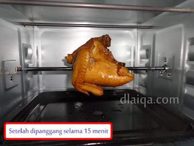 keluarkan ayam dari oven