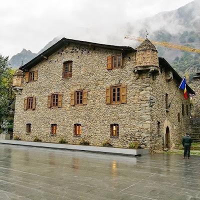 La Casa de la Vall en Andorra La Vella