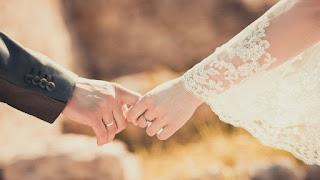 Cinta dan Mukjizat Seorang Istri Sholeha