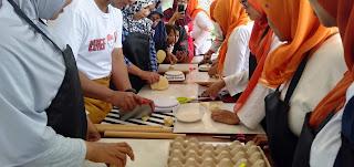 https://www.pembiayaan.id/2019/12/jadwal-dan-penyelenggara-program-pelatihan-pembuatan-roti-dan-kue.html