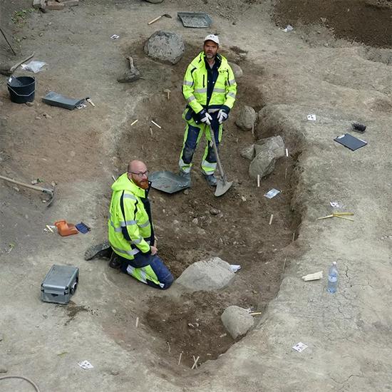 Ruínas de Barco Viking revelam esqueletos de homem, cavalo e cachorro - Img3