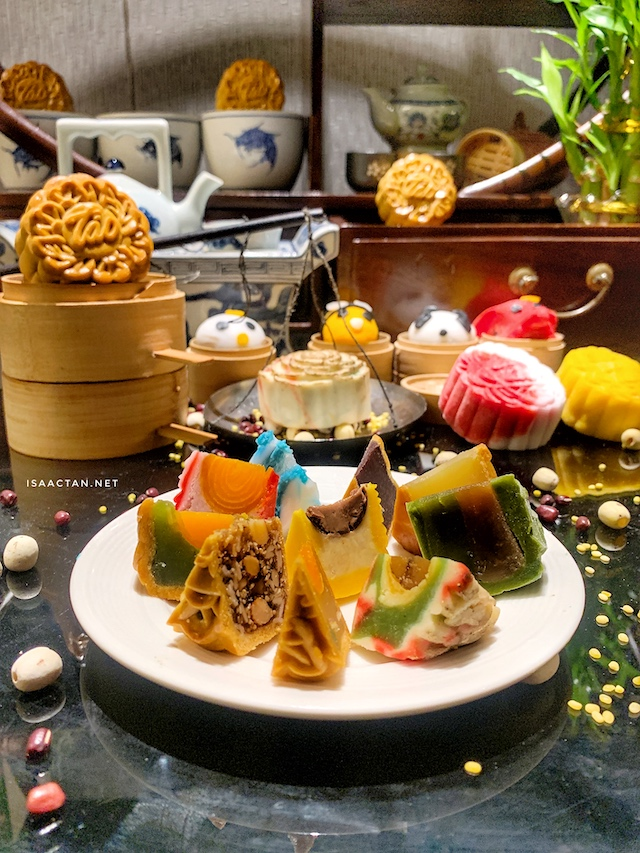 Celebrate Mid-Autumn with Tao Chinese Cuisine's Orient Lustre Mooncake Series