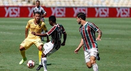 Fluminense goleia e evita Fla-Flu na semifinal do Carioca