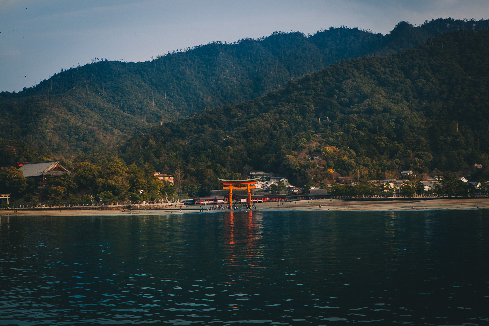 Floating Tori, Japan // A Day Trip to Itsukushima Island // www.journographie.com