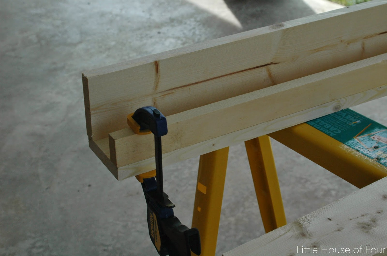 clamping together wood bookshelves