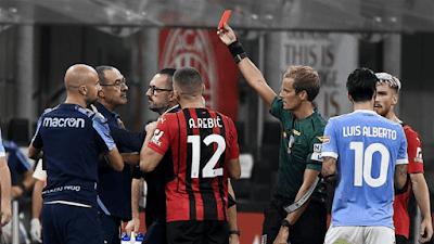 ايقاف مدرب لاتسيو مبارتين بعد طرده خلال مباراة فريقه امام ميلان