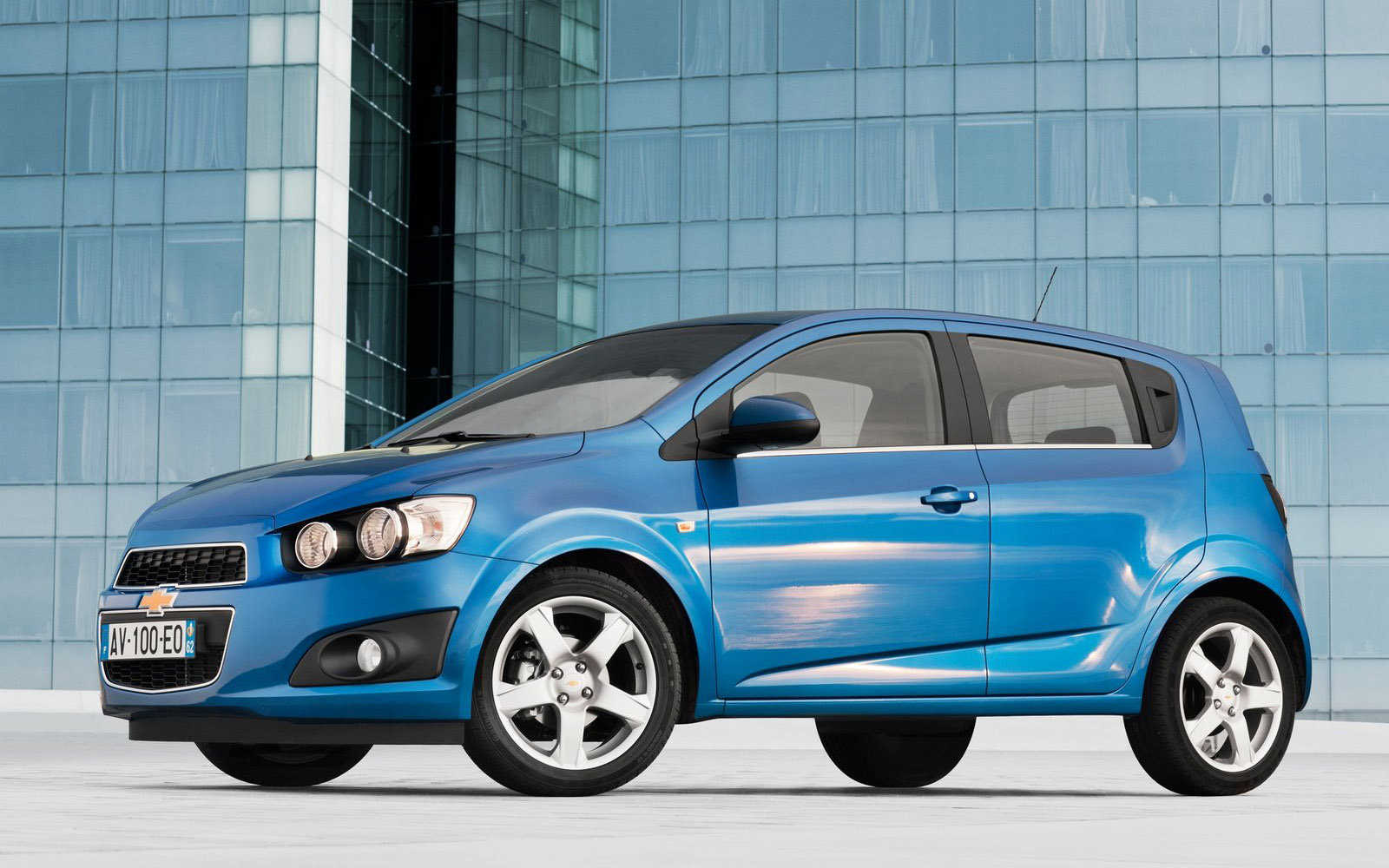 hd wallpapers 2011 chevrolet aveo sedan wallpapers. Black Bedroom Furniture Sets. Home Design Ideas
