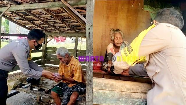 Polres Bima Kota Bagi 1000 Paket Daging Kurban Pada Lansia dan Warga Kurang Mampu