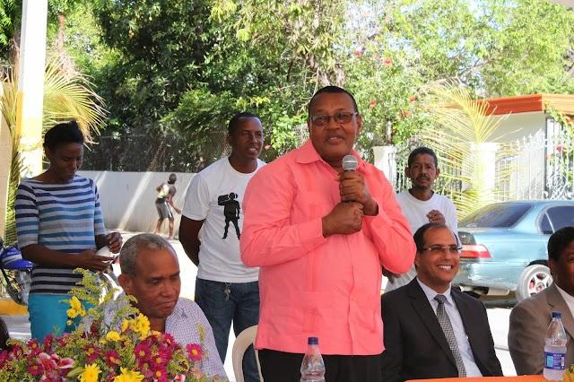 Por segunda vez: Ingresan alcalde de Vicente Noble  por Covid-19