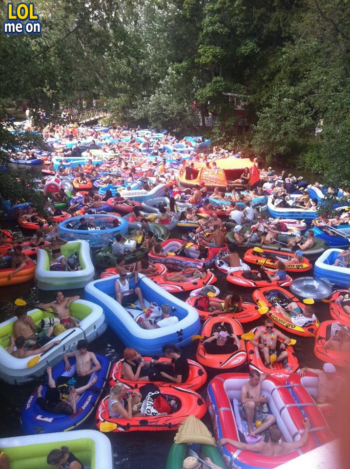 """funny WTF picture shows Beer Floating Traffic Jam in Finland from """"LOL me on"""""""
