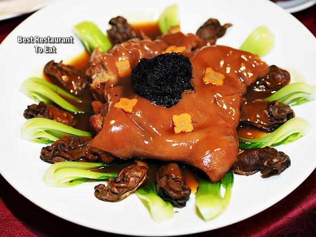 Li Yen CNY 2019 Menu - Braised Pork Knuckle with Dried Oysters and Sea Moss