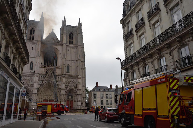 e largest Gothic cathedrals in the country caught fire in France, arson is suspected.
