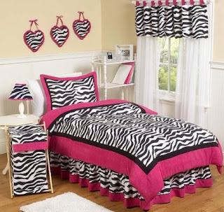 7 Piece Short Fur Safari Zebra Print Bed-In-A-Bag Black & White Comforter Set, FULL Size Bedding