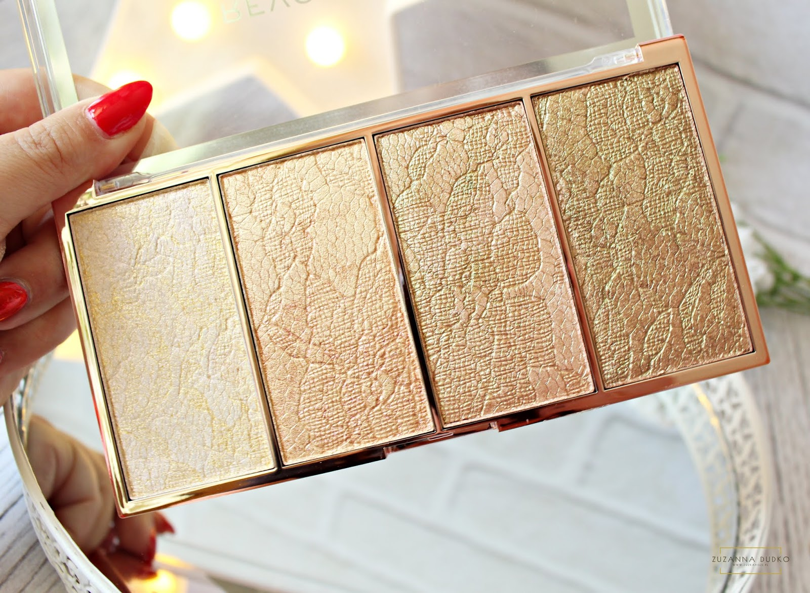 MAKEUP REVOLUTION VINTAGE LACE HIGHLIGHTER PALETTE PALETA ROZŚWIETLACZY