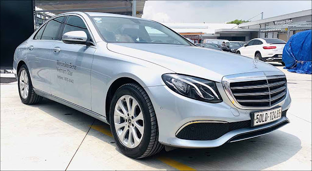 Mercedes E200 2019 đã qua sử dụng màu Bạc nội thất Nâu