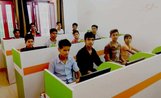 The Jayhooo Infotech boys class