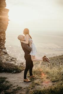 Hug with lift
