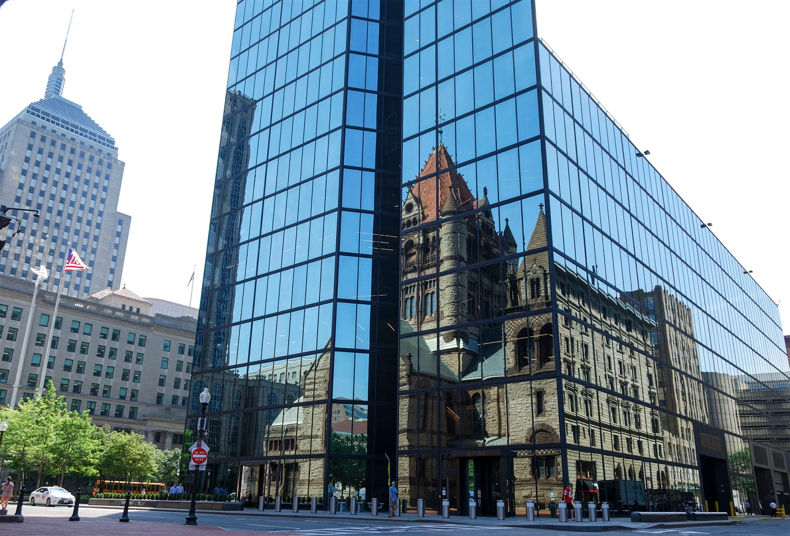 reflection hancock tower copley square trinity church boston itinerary plan guide tourism usa america park east coast