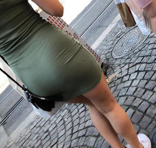Chava culona vestido entallado tanga marcada