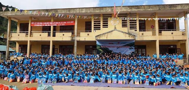 Áo khoác từ thiện cho học sinh miền núi