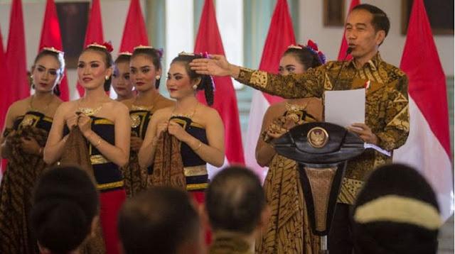 Jokowi menempati urutan ke-13 muslim berpengaruh dari 500 tokoh di dunia berdasarkan riset Pusat Studi Strategi Islam Kerajaan Yordania edisi 2020. Posisi Jokowi berada di atas dua tokoh Indonesia lainnya yakni Ketum PB NU Said Aqil Siradj dan Habib Luthfi Yahya.