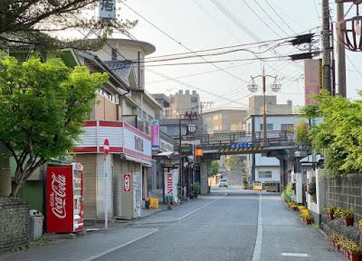原鶴温泉街