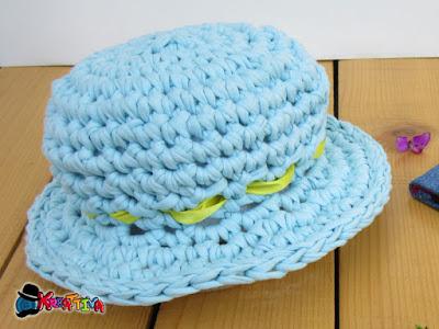 come realizzare un cappello all'uncinetto con fettuccia