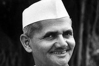 Brief Biography of Lal Bahadur Shastri in Hindi