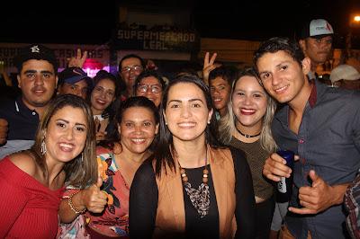 Juliana de Chaparral e amigos na festa de emancipação política da cidade de Casinhas - PE Que completou 24 anos. COBERTURA: Chico Pezão