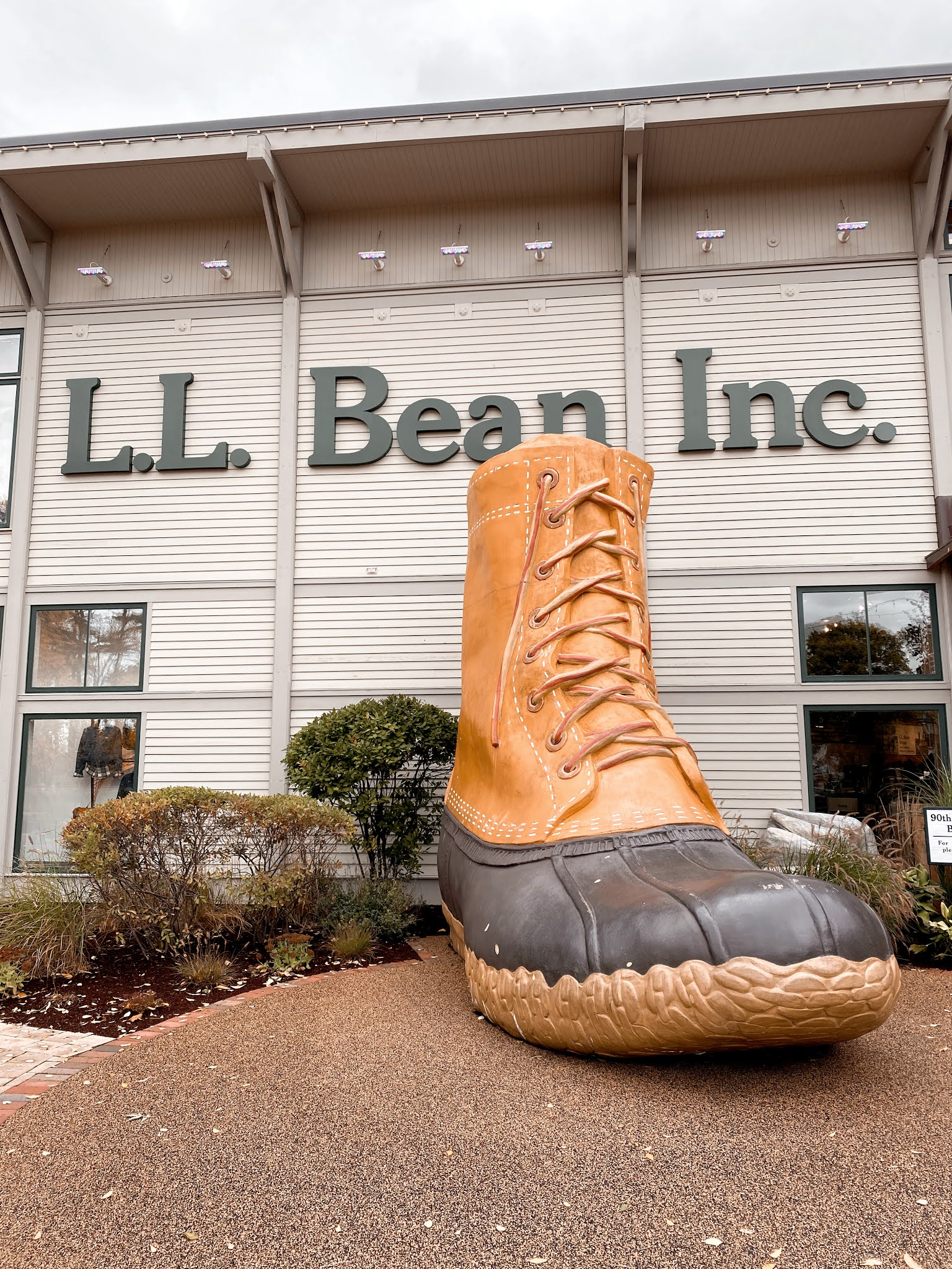 Giant Bean Boot at the Flagship Store in Freeport, Maine | biblio-style.com
