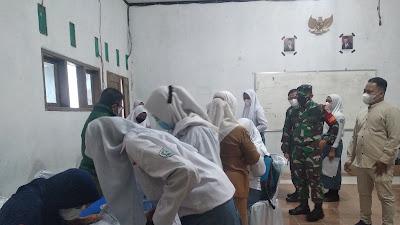 Serbuan Vaksin Kodim 0616/Indramayu Sasar Siswa SMK Al-Huda