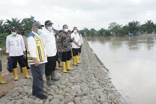 Tinjau Tanggul Sungai Padang Tebing Tinggi, Menteri PUPR Berjanji Akan Menangani