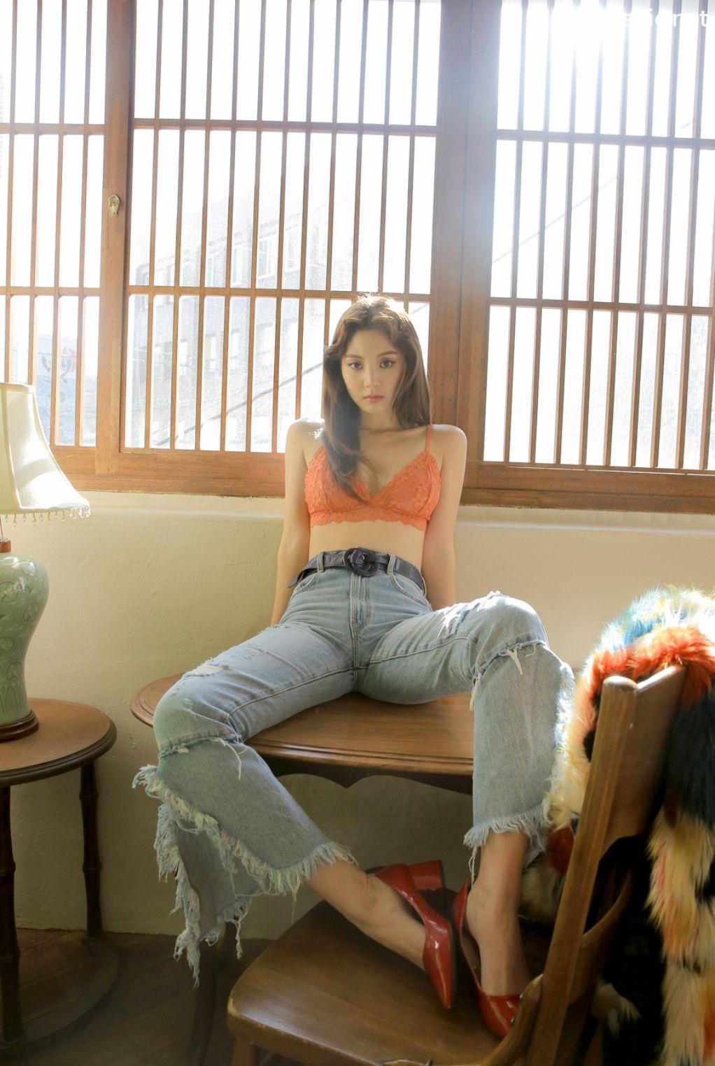 Image-Korean-Fashion-Model-Lee-Chae-Eun-7-Lingerie-Set-For-A-Week-TruePic.net- Picture-2