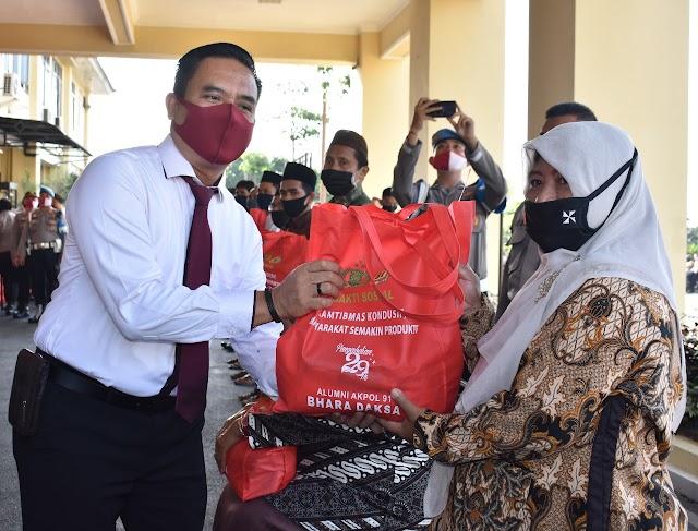 Alumni Akpol 1991 Batlyon BHARA DAKSA Polda Lampung melaksanakan Bhakti Sosial