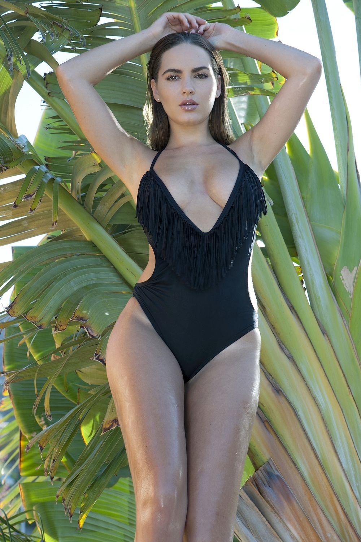 Anastasiya Kvitko Shares Photos In String Bikini On