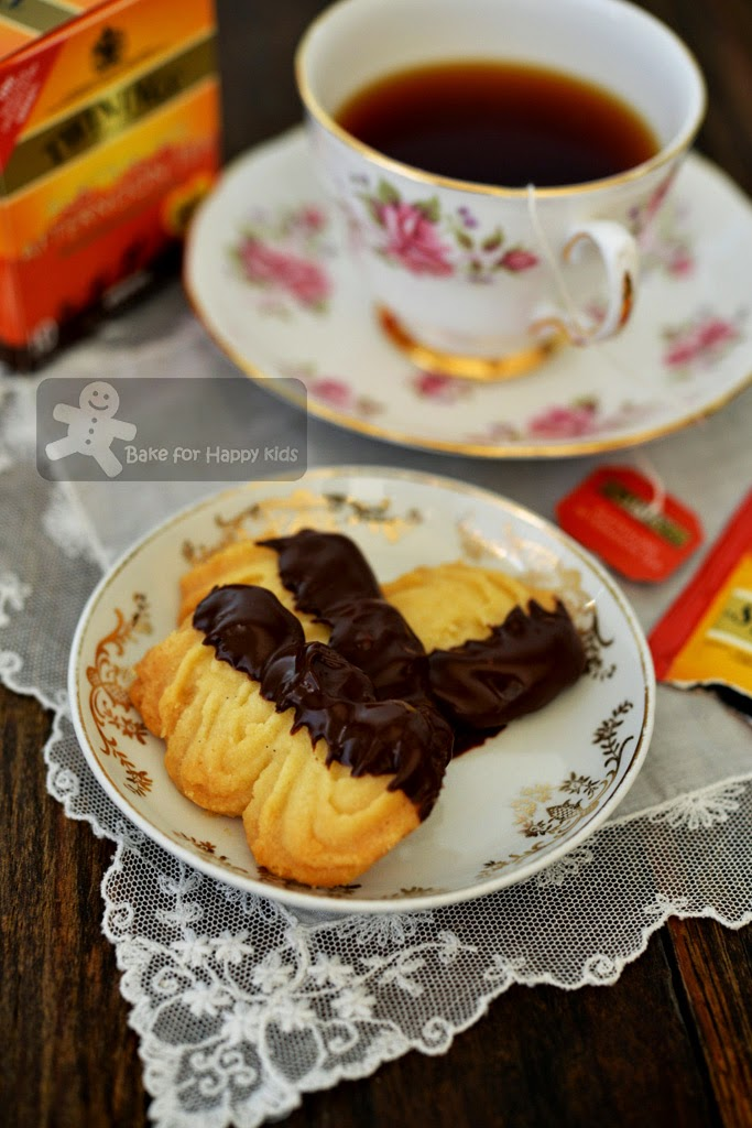 Viennese biscuits shortbread fingers
