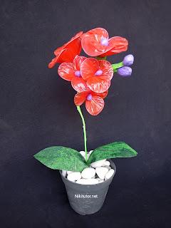 Cara bikin bunga anggrek hias dari kresek plastik dengan mudah
