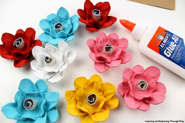 Egg Carton Flower Canvas - DIY Gifts - Recycled Crafts