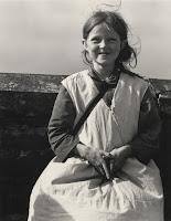 Dorothea Lange: Girl, Western Ireland (1954).