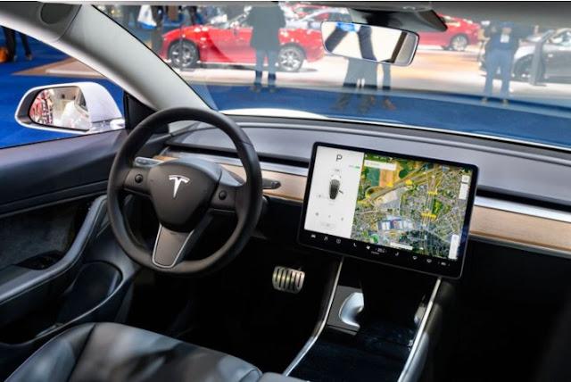 Ruang Kemudi Tesla Cybertruck